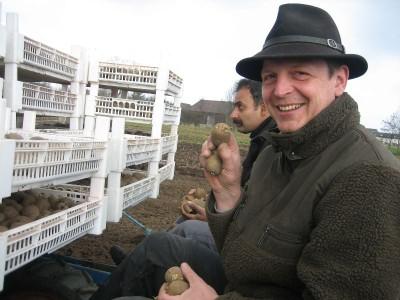 Markus Weeger bei der Kartoffelernte.